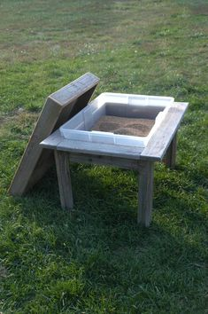 Great idea for kids. I wanna make this someday. It's not just limited to sand. We used to take steralite container out and swap it for a water tub, a tub full of rice, feathers, or anything the kids wanted to dig into. Lots of fun. Kids Sand, Sand Play, Sand Table, Patio Table, Water Tub, Box Water, Deck Makeover, Sensory Table, Outdoor Classroom