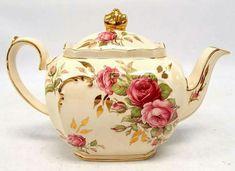 Gorgeous teapot!!