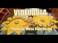"Trilho de Mesa Raio de Sol - ""Diandra Schmidt Rosa"" - YouTube. Sunflower Table Runner. Crochet."
