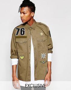 Mega cool Reclaimed Vintage Army Overshirt With Patches - Green Reclaimed Vintage Printed til Herrer i fantastisk kvalitet