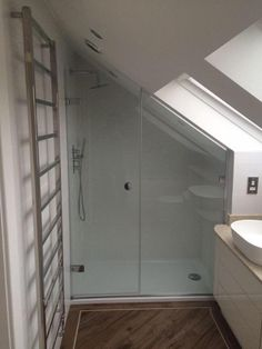A Southport en-suite bathroom in a loft conversion by Traveller Location. Buy these VELUX window for your loft bathroom . Attic Shower, Small Attic Bathroom, Small Shower Room, Upstairs Bathrooms, Shower Rooms, Shower Bathroom, Small Bathrooms, Loft Ensuite, Loft Bathroom