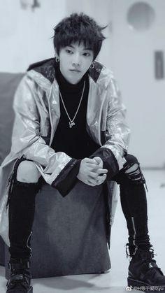 Jerry Yan, Seo Kang Joon, Avatar, Iphone Wallpapers, Mars, Hairstyle, Flower, Music, Artist