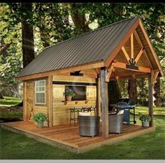 A small shed in the backyard for parties and entertaining.. I WANT!!