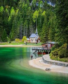 Lago di Braies, Chiesetta, Palafitta