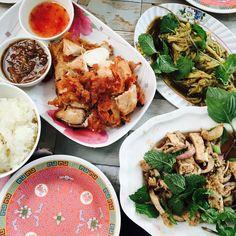 Bangkok Street Food Tips Food Tips, Food Hacks, Street Food, Chicken Wings, Bangkok, Curry, Eat, Ethnic Recipes, Blog