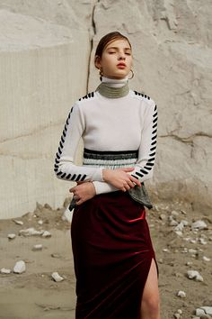 Fall Inspiration: Mame - Blue is in Fashion this Year Normcore Fashion, Knitwear Fashion, Knit Fashion, Runway Fashion, High Fashion, Fashion Looks, Womens Fashion, Foto Pose, Sweater Design