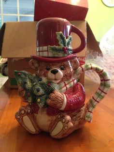 Fitz and Floyd Old Fashion Christmas Teapot