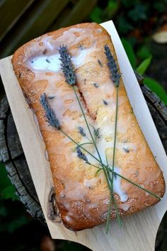 Lavender and Lemon Loaf Cake: Prolong Summer with this gorgeous, fragrant, moist cake that smells like an English garden! Read Recipe by brookepyper Lavender And Lemon, Lavender Recipes, Lavender Cake, Lavander, Lavender Bread Recipe, Edible Lavender, Lavender Flowers, Baking Recipes, Dessert Recipes