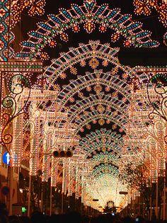 Top 10 Christmas Lights Displays: Kobe Luminarie, Japan. Photo by gwaar