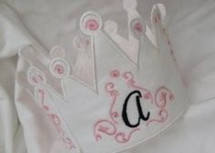 IN THE HOOP - Picture Perfect Princess Crown - Digitized Embroidery Project- Step by step instuctions and beautiful full color images in 2 different sizes 5x7 and 6x10
