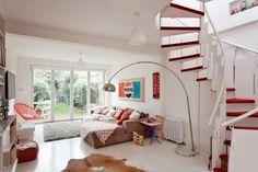 Jurnal de design interior - Amenajări interioare, decorațiuni și inspirație pentru casa ta: Interior decorat cu accente roșii