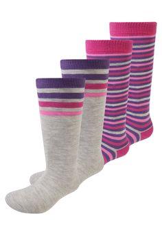 ¡Consigue este tipo de calcetines básicos de Camano ahora! Haz clic para ver los detalles. Envíos gratis a toda España. Camano OHNE GUMMIDRUCK 4 PACK Calcetines hasta la rodilla purple: camano OHNE GUMMIDRUCK 4 PACK Calcetines hasta la rodilla purple Ropa   | Material exterior: 80% algodón, 17% poliamida, 3% elastano | Ropa ¡Haz tu pedido   y disfruta de gastos de enví-o gratuitos! (calcetines básicos, socks, sock, basic, basico, basica, básico, basicos, casual, clasica, clasicas, cl...