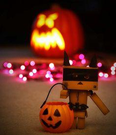 Amazon Box Robot: Halloween