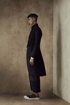 Alexander McQueen Spring 2017 Menswear Fashion Show