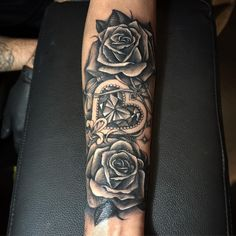 105 Stunning Arm Tattoos For Women – Meaningful Feminine Designs Check more at http://tattoo-journal.com/best-arm-tattoos-for-women-designs-meaning/