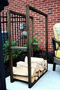 You want to build a outdoor firewood rack? Here is a some firewood storage and creative firewood rack ideas for outdoors. Lots of great building tutorials and DIY-friendly inspirations! Firewood Rack Plans, Outdoor Firewood Rack, Easy Diy, Simple Diy, Wood Planters, Green Rooms, Porch Decorating, Bed Design, Christmas Home