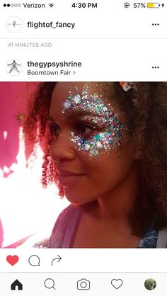 The glitter trend hitting the festivals right now is one we are big fans of! The Gypsy Shrine: Glitter mix for festivals Festival Looks, Festival Make Up, Festival Makeup Glitter, Glitter Party, Glitter Bomb, Glitter Dress, Makeup Basic, Make Carnaval, Rave Makeup