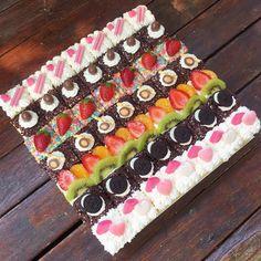 New cake cute birthday desserts 50 Ideas Butter Cream Icing Easy, Birthday Desserts, Cake Birthday, Cake Mix Muffins, Resep Cake, Petit Cake, Cupcake Stand Wedding, Cake Decorating With Fondant, Mini Tortillas