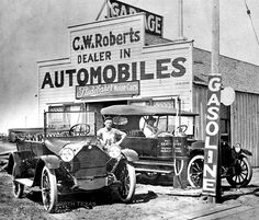 Studebaker dealership, date unknown. Vintage Cars, Vintage Photos, Antique Cars, Vintage Auto, Vintage Signs, Old Gas Pumps, Old Gas Stations, Funky Junk Interiors, Old Signs