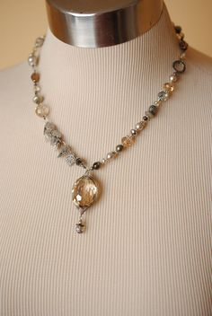 "Windsor Castle 18.5-20.5"" Herringbone Focal Necklace - Anne Vaughan Designs"