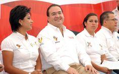 El gobernador Javier Duarte mencionó  que el Gobierno de Veracruz acompaña al Ayuntamiento al entregar estos camiones recolectores de basura, como una muestra del ánimo de sumarnos a las tareas de embellecimiento y cuidado de la ciudad.