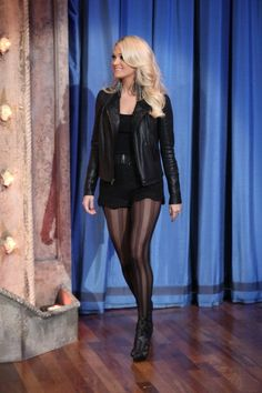 "Carrie Underwood über ""Late Night w / Jimmy Fallon"" - November 2012 - Schauspieler - Irish Carrie Underwood Hot, Carrie Underwood Pictures, Jimmy Fallon, Emma Watson Sexiest, Pantyhose Outfits, Country Girls, Country Music, Petite Women, Celebs"