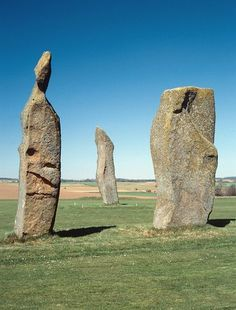 The Standing Stones of Lundin, Fife. Note the anthropomorphic features of the stone to the left. Ancient Mysteries, Ancient Ruins, Ancient History, European History, Ancient Artifacts, Ancient Greece, Ancient Egypt, American History, Stonehenge