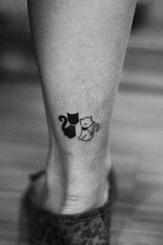 Katze Tattoo zu Fuß