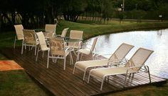 Peças modelo Blumenau02 Mesa 0,85m + 8 cadeiras + 02 espreguiçadeirasTampo não incluso.Opção de alumínio pintado nas cores: MARROM - PRETO - BRANCO - BEGEOu no alumínio polido.Opção d...