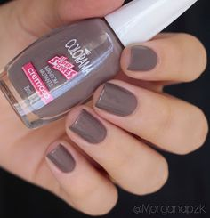 "Esmalte ""Marrom Mutante"" da Colorama 