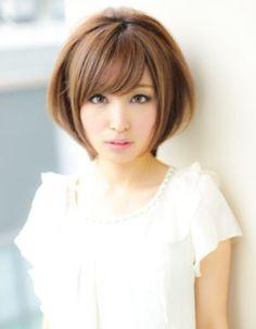 前髪&小顔カットに定評のある信頼の厚いAFLOATのトップデザイナー | 青山・表参道の美容室 AFLOAT D'Lのヘアスタイル | Rasysa(らしさ)