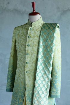 Mens Wedding Wear Indian, Sherwani For Men Wedding, Mens Indian Wear, Sherwani Groom, Indian Groom Wear, Indian Men Fashion, Indian Wedding Outfits, Bridal Outfits, Mens Sherwani
