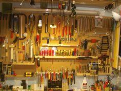 Diy Jewelry Findings, Jewelry Tools, Jewelry Supplies, Mobile Workshop, Jewelry Organizer Drawer, Garage Tool Organization, Tool Board, Workshop Storage, Tool Storage