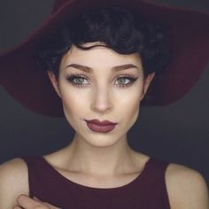 Beautiful class and pulled together makeup look. Perfect for fall, with a plum and cranberry flare.