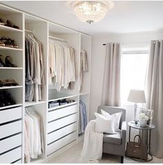 Todos amam .... Closet!! Inspiração ✔️ #arquitetura #archdecor #archdesign #archlovers #archdaily #arquiteturadeinteriores #ambiente #inspiração #homedecor #home #homestyle #style #homedesign #decor #interiores #closet #instahome #instadecor #allwhite #instadesign #design #interiordesign #decoreseuestilo #designdeinteriores #designdecor #decoraçãodeinteriores #decorhome #decordesign #decoration #referencia