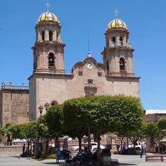 Templo de Nuestra Señora de la Asunción. #jalostotitlan #jalisco #mexico (en Jalostotilan, Jalisco, Mexico)