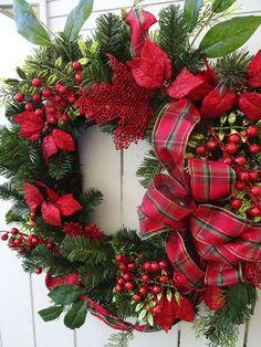 Christmas Wreath     Poinsettia Wreath   Holiday by donnahubbard