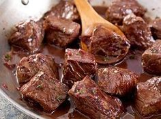 Steak Tips with Red Wine Sauce- this was for dinner last night and we loved it. Had salad and mashed potatoes with it. Recettes de cuisine Gâteaux et desserts Cuisine et boissons Cookies et biscuits Cooking recipes Dessert recipes Steak Tips, Beef Tips, Sirloin Tips, Beef Sirloin, Beef Welington, Sirloin Recipes, Beef Goulash, Roast Beef, Meat Recipes