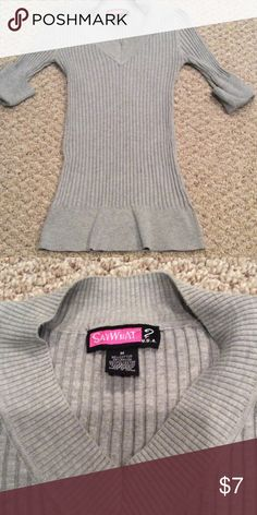 Gray v neck 3/4 length sweater Excellent used condition! Pet free / smoke free home 💸 make me an offer💸 Say What? Sweaters V-Necks