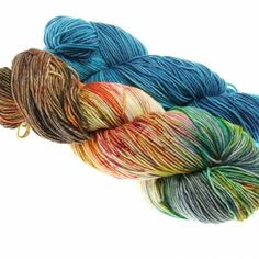 Cool Merino Doppelpack today in our shop #dibadufunnies #knittersofinstagram #yarn #yarnofinstagram #handdyed #handdyedyarn #dibadufunnies