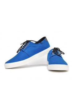 Walk in style with these bue canvas casual shoes for men #canvasshoes #menshoes #onlinemenshoes #canvasshoesonline #laceupshoes #mensfashion Shop now-  https://trendybharat.com/blue-canvas-casual-shoes-for-man-cb266bl?search=casual%20shoes&page=2