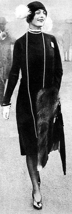 Anything Goes - Celebrating the 20s 20s Fashion, Fashion History, Art Deco Fashion, Retro Fashion, Vintage Fashion, Womens Fashion, Fashion 2017, Mode Vintage, Vintage Ladies