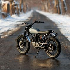 Clean Honda Scrambler by We support the tracker and scrambler community and. Honda Scrambler, Cafe Racer Honda, Cb 500 Cafe Racer, Cafe Racer Bikes, Honda Motorcycles, Yamaha, Small Motorcycles, Tracker Motorcycle, Moto Bike