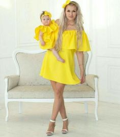 30 Outfits en conjunto super chic para mamá e hija Mom Daughter Matching Outfits, Mommy Daughter Dresses, Mother Daughter Fashion, Mommy And Me Outfits, Matching Family Outfits, Girl Outfits, Look Fashion, Kids Fashion, Dress Fashion