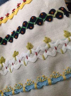 L'Atelier de Jojo - Chaque jour vous trouvez des tutos a realiser du monde entier. Je remercie chacune d'entre vous pour vos visites et les autres pour leurs gentils commentaires déposés. Embroidery Stitches Tutorial, Hand Embroidery Patterns, Vintage Embroidery, Embroidery Applique, Cross Stitch Embroidery, Machine Embroidery, Crazy Quilting, Crazy Quilt Stitches, Silk Ribbon Embroidery