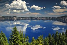 Crater Lake National Park, Oregon                               11 Insanely Beautiful Bodies Of Water (PHOTOS)