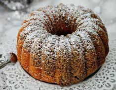Hab ich schon erwähnt das ich Becherkuchen Rezepte einfach nur super praktisch und gut finde? Ein Messbehälter für alle Zutaten und meistens geht´s auch noch ohne Küchenmaschine :-) Diese tollen R…