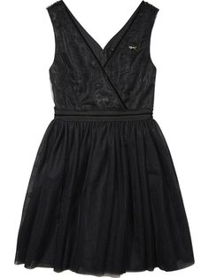 Une robe en tulle