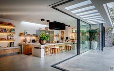 Tom Kneepkens - Villa W Modern Home Interior Design, Modern House Design, Kitchen Interior, Kitchen Decor, Kitchen Models, Courtyard House, Plywood Furniture, House Floor Plans, Sweet Home