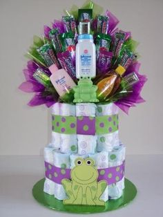 The joker Baby Shower Diaper Cake Regalo Baby Shower, Baby Shower Diapers, Baby Shower Fun, Baby Shower Gender Reveal, Baby Shower Cakes, Baby Shower Parties, Baby Shower Gifts, Baby Showers, Diaper Crafts